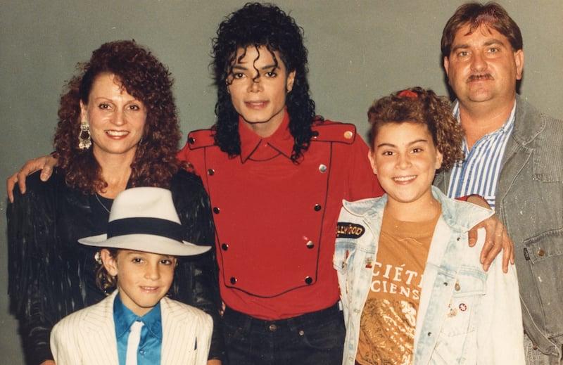 Tänään tv:ssä: Raskasta ja järkyttävää katsottavaa – TV2 esittää Michael Jacksonista kertovan ...